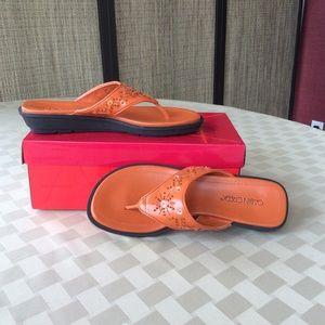 Cabin Creek orange thongs